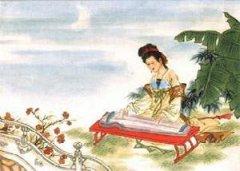"""张仲素《秋夜曲》""""秋逼暗虫通夕响,征衣未寄莫飞霜。""""全诗翻译赏析"""